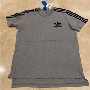 Adidas men's gray T-shirt
